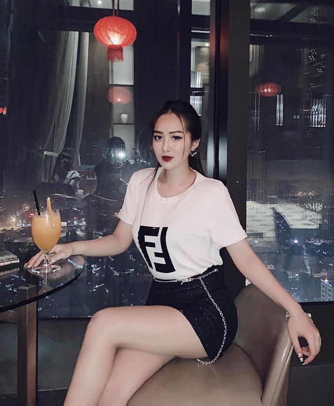 Cùng nhà nấm với chị họ Hương Tràm, hot girl Dư Hàng My chỉ cao 1m53 vẫn đốt mắt với body nuột nà, vòng 1 nóng bỏng-8