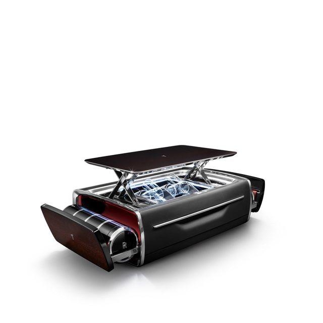 Hộp rượu trên xe Rolls-Royce có giá bằng một chiếc BMW-11