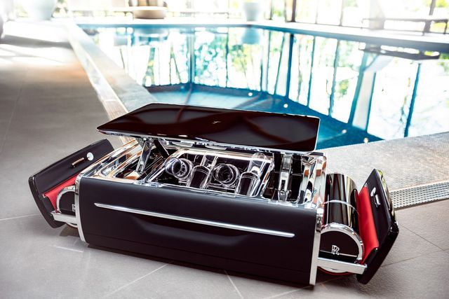 Hộp rượu trên xe Rolls-Royce có giá bằng một chiếc BMW-1