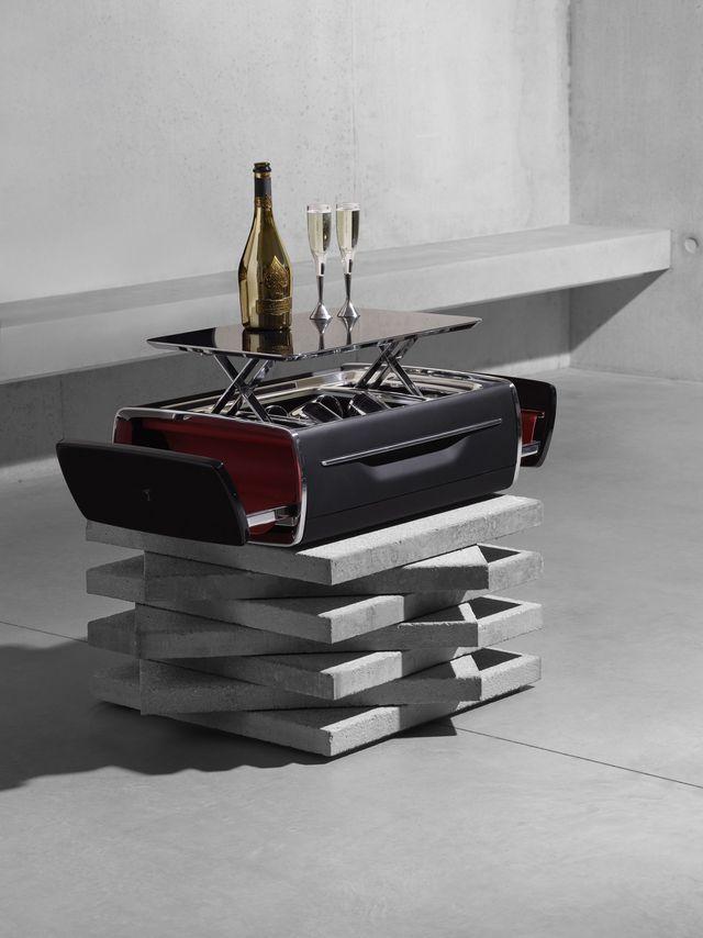 Hộp rượu trên xe Rolls-Royce có giá bằng một chiếc BMW-4