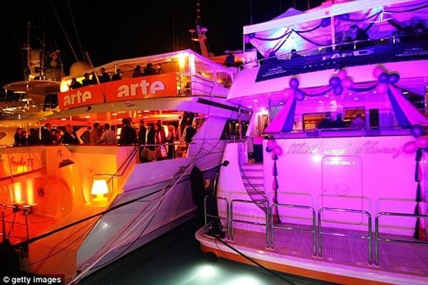 Đằng sau hào quang của LHP Cannes: Nơi kiếm tiền của gái bán dâm hạng sang, có người kiếm được cả tỷ đồng cho một lần qua đêm cùng đại gia-4