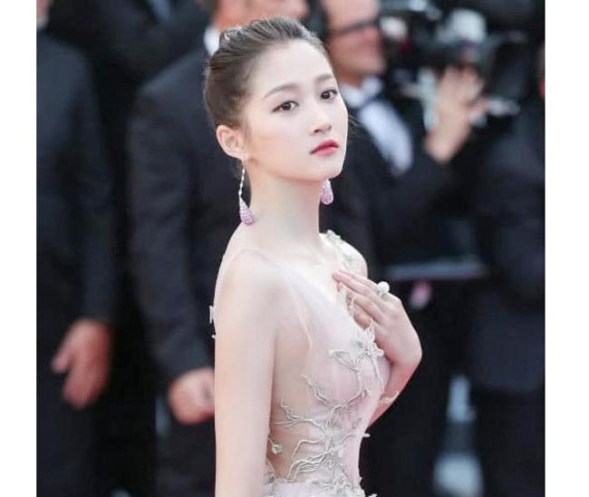 4 cô gái dân tộc thiểu số Trung Quốc khiến người gặp người yêu-2