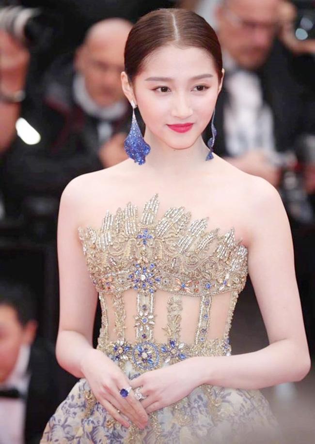 4 cô gái dân tộc thiểu số Trung Quốc khiến người gặp người yêu-6