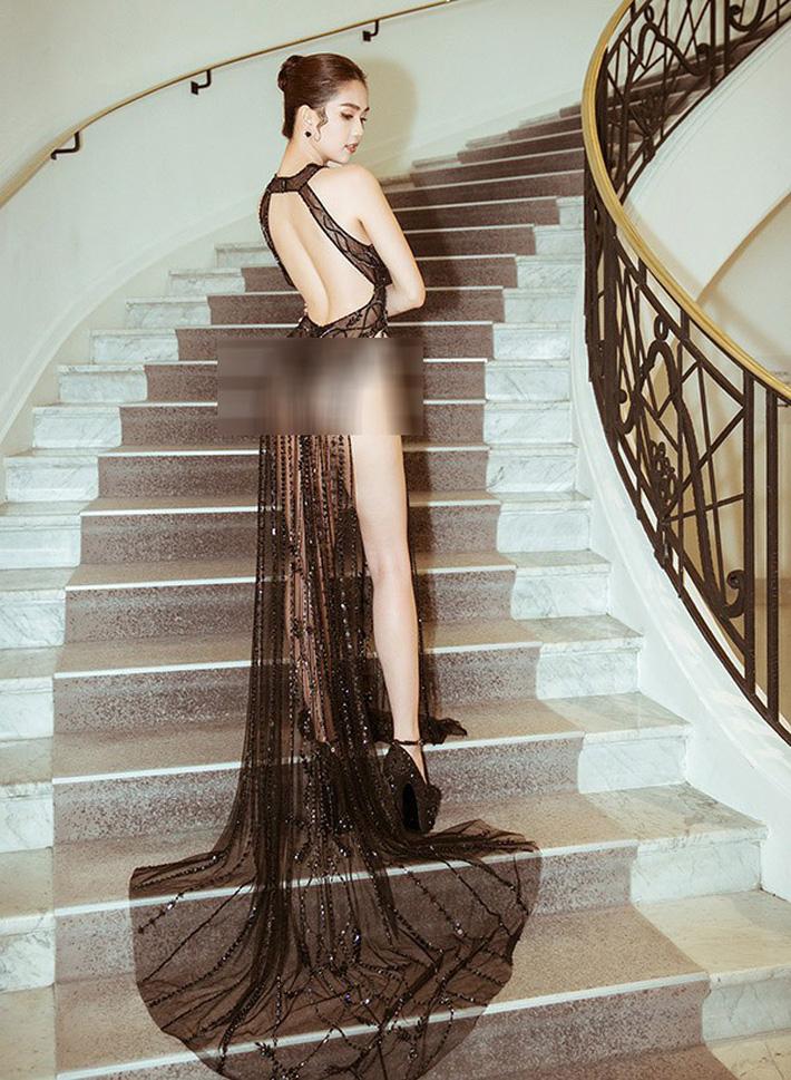 Tiết lộ gây shock từ NTK Đỗ Long: Ngọc Trinh hoàn toàn không mặc nội y trong bộ đồ hở bạo tại Cannes-5