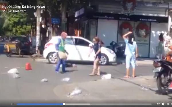 Tâm sự nghẹn ngào của nữ lao công bị cô gái trẻ hành hung giữa trời nắng gần 40 độ C-1