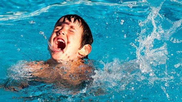 Đã có không ít ca đuối nước thương tâm: Đây là những gì cần làm để tránh tai nạn đuối nước khi cho trẻ đi bơi-1