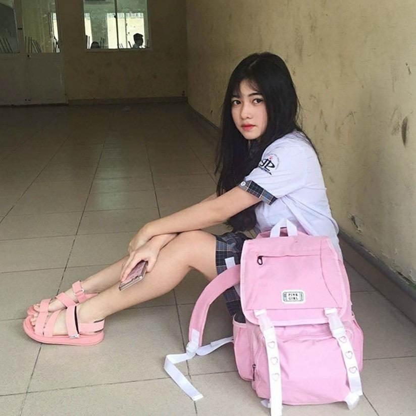Loạt hot girl sinh năm 2001 đang ôn tập cho kỳ thi THPT quốc gia-8