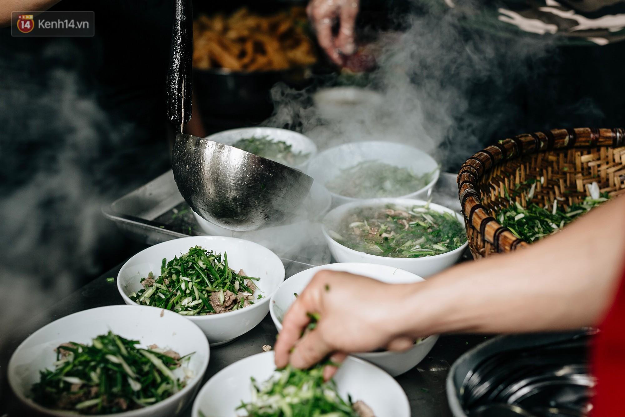Thêm một lần vinh quang gọi tên Phở Việt, lọt hẳn top món ăn đựng trong bát ngon nhất thế giới-1