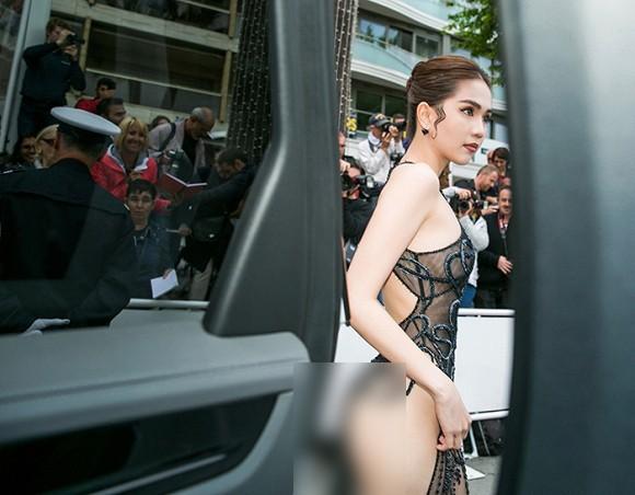 Nhìn lại tuyển tập trang phục trắc nết nhất Cannes, cuối cùng cũng tìm ra đối thủ xứng tầm với Ngọc Trinh-1