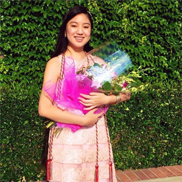 Chân dung nữ sinh gốc Việt gây bão truyền thông quốc tế: 14 tuổi tốt nghiệp trung học, 19 tuổi là dược sĩ trẻ nhất bang California, Mỹ-2
