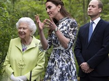 Công nương Kate gây chú ý khi phá vỡ quy tắc, phạm phải điều Nữ hoàng