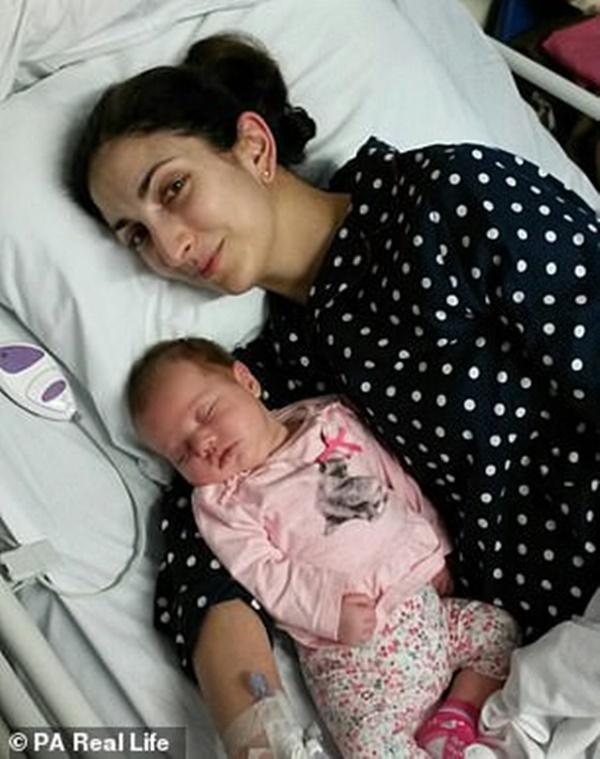 Mẹ 35 tuổi, sinh bé vài tuần đã bắt đầu mãn kinh: Nguyên nhân đằng sau là cả một câu chuyện đau lòng-4