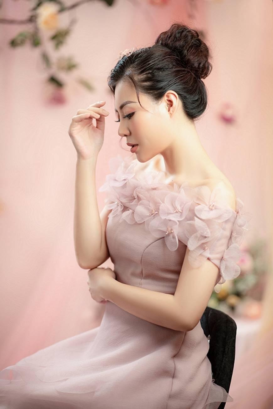 Diễn viên Thanh Hương bỗng dịu dàng lạ thường trong loạt ảnh mới-1