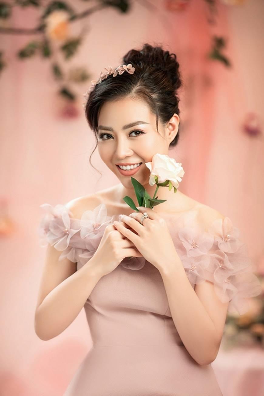 Diễn viên Thanh Hương bỗng dịu dàng lạ thường trong loạt ảnh mới-3