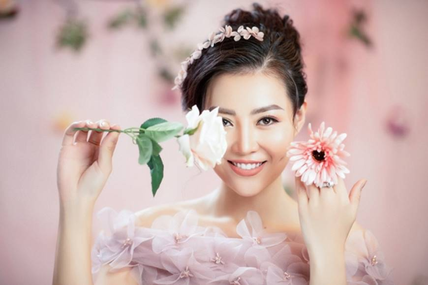 Diễn viên Thanh Hương bỗng dịu dàng lạ thường trong loạt ảnh mới-4