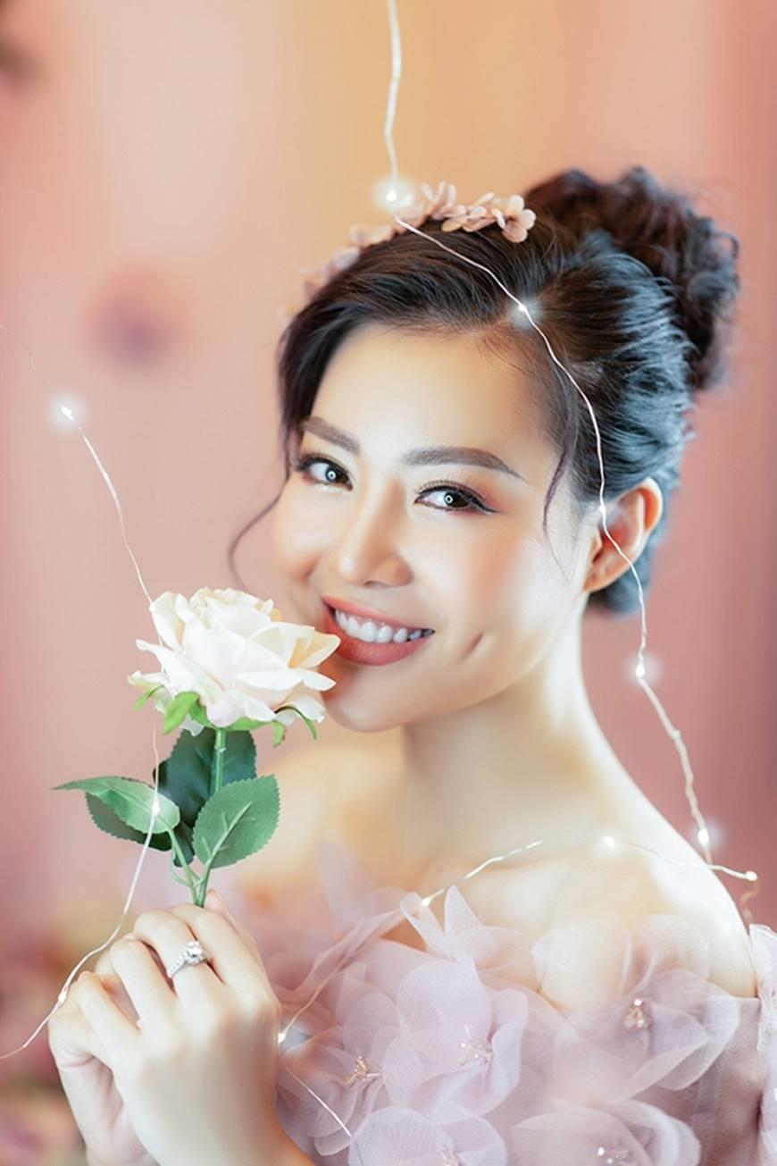 Diễn viên Thanh Hương bỗng dịu dàng lạ thường trong loạt ảnh mới-12