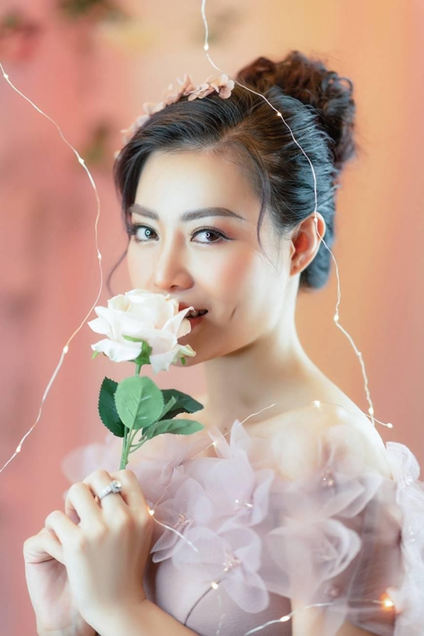 Diễn viên Thanh Hương bỗng dịu dàng lạ thường trong loạt ảnh mới-13