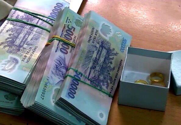 Giúp việc trộm gần 300 triệu đồng, tráo vàng giả lấy vàng thật của gia chủ ở Bình Dương-1