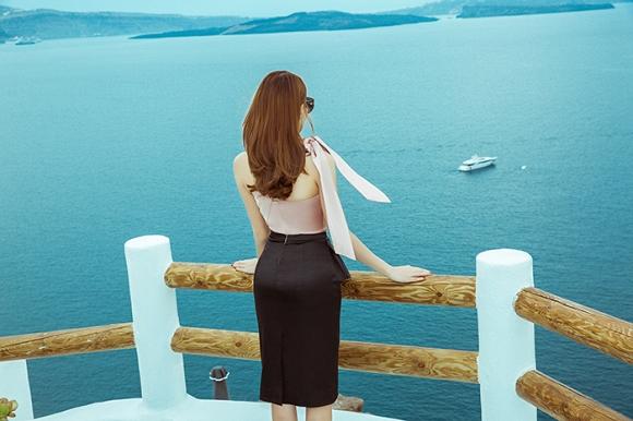 Lê Hà khoe nhan sắc rạng rỡ trong chuyến trăng mật tại vùng đảo Santorini-7
