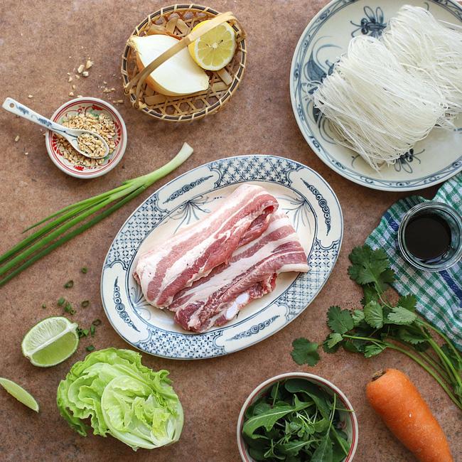 Mỗi khi bận rộn tôi làm món bún thịt chiên, bữa tối vừa nhanh lại vừa ngon-1
