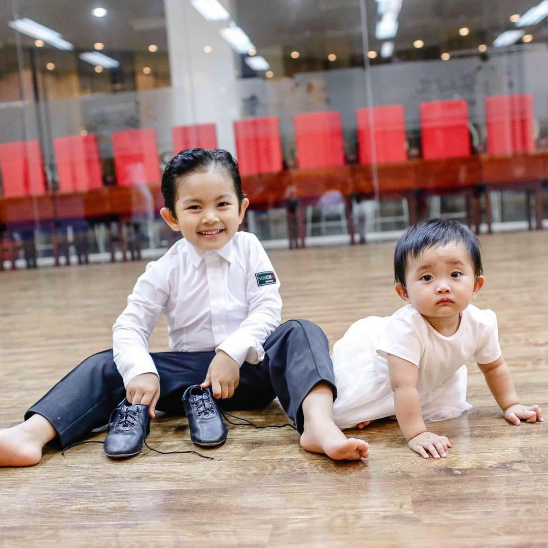Bộc lộ năng khiếu dancesport khi mới hơn 3 tuổi, con trai Phan Hiển - Khánh Thi lần đầu ra sàn nhảy khiến nhiều người bất ngờ-4