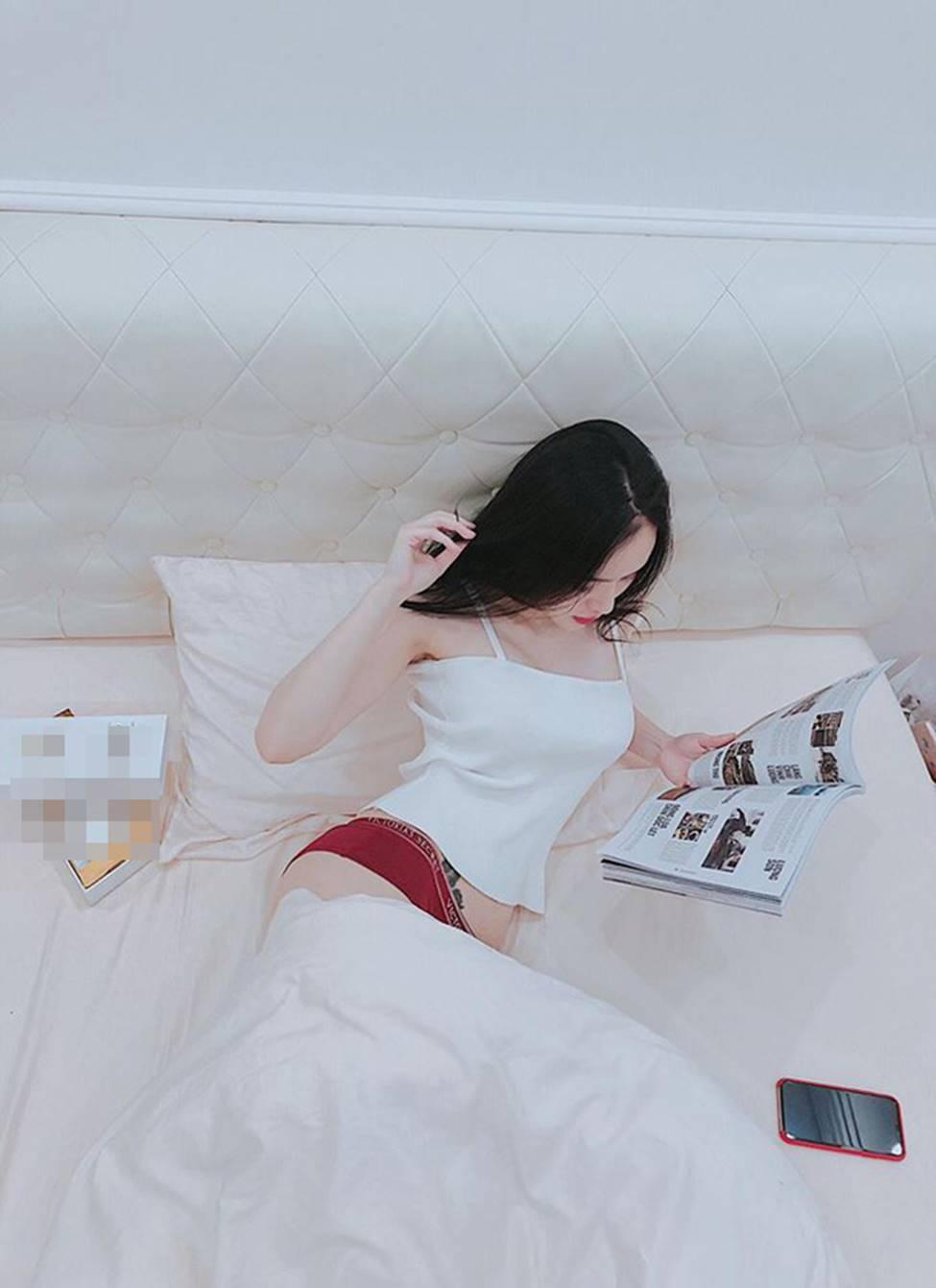 Em gái Angela Phương Trinh xinh đẹp và gợi cảm muôn phần ở tuổi 23-17