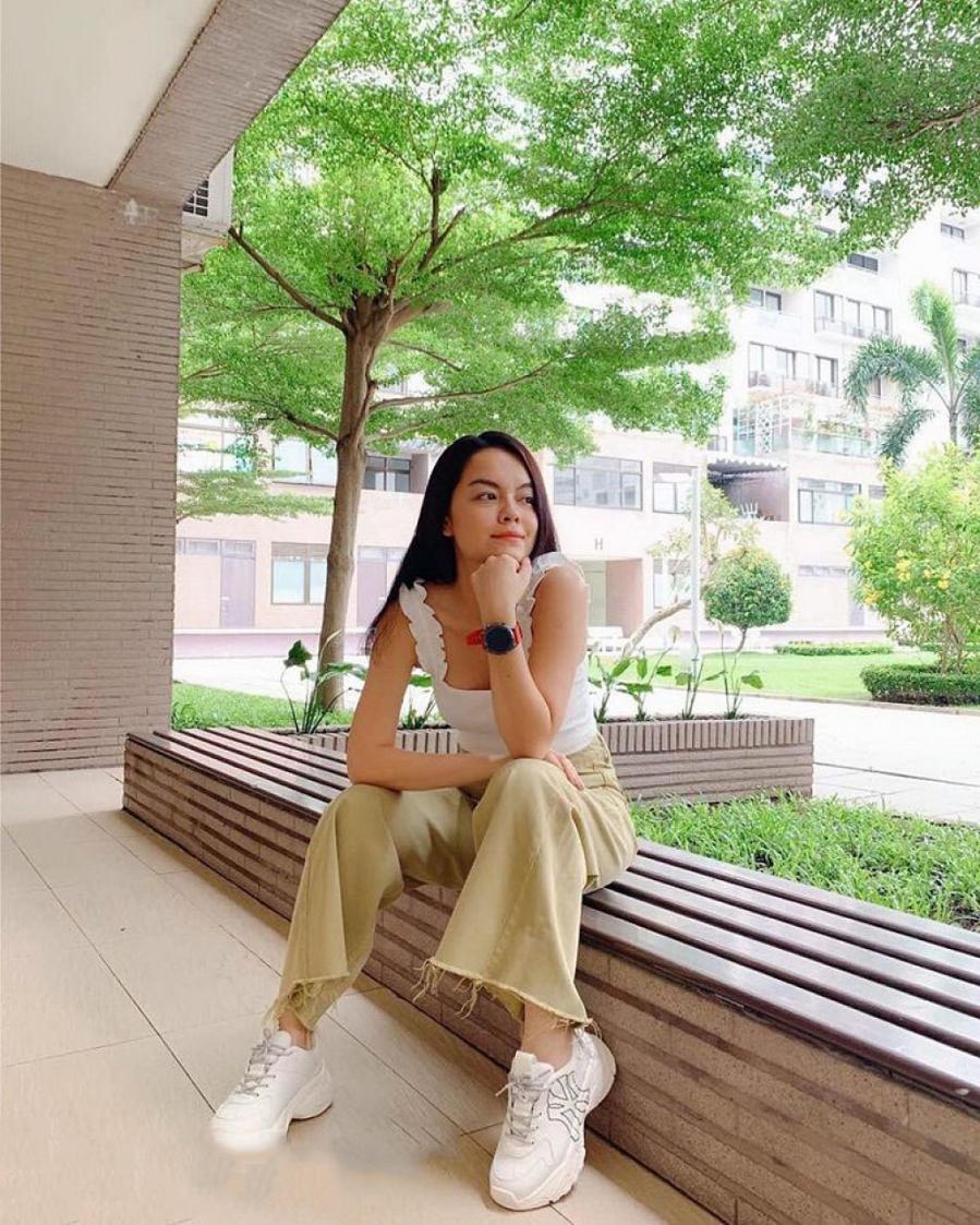 """Thống trị street style, sao Việt đua nhau diện crop top sương sương"""", váy đầm bánh bèo""""-11"""
