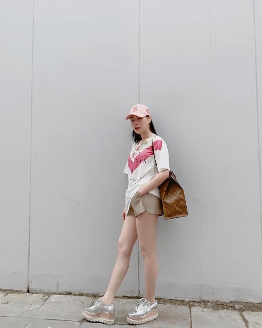 """Thống trị street style, sao Việt đua nhau diện crop top sương sương"""", váy đầm bánh bèo""""-15"""