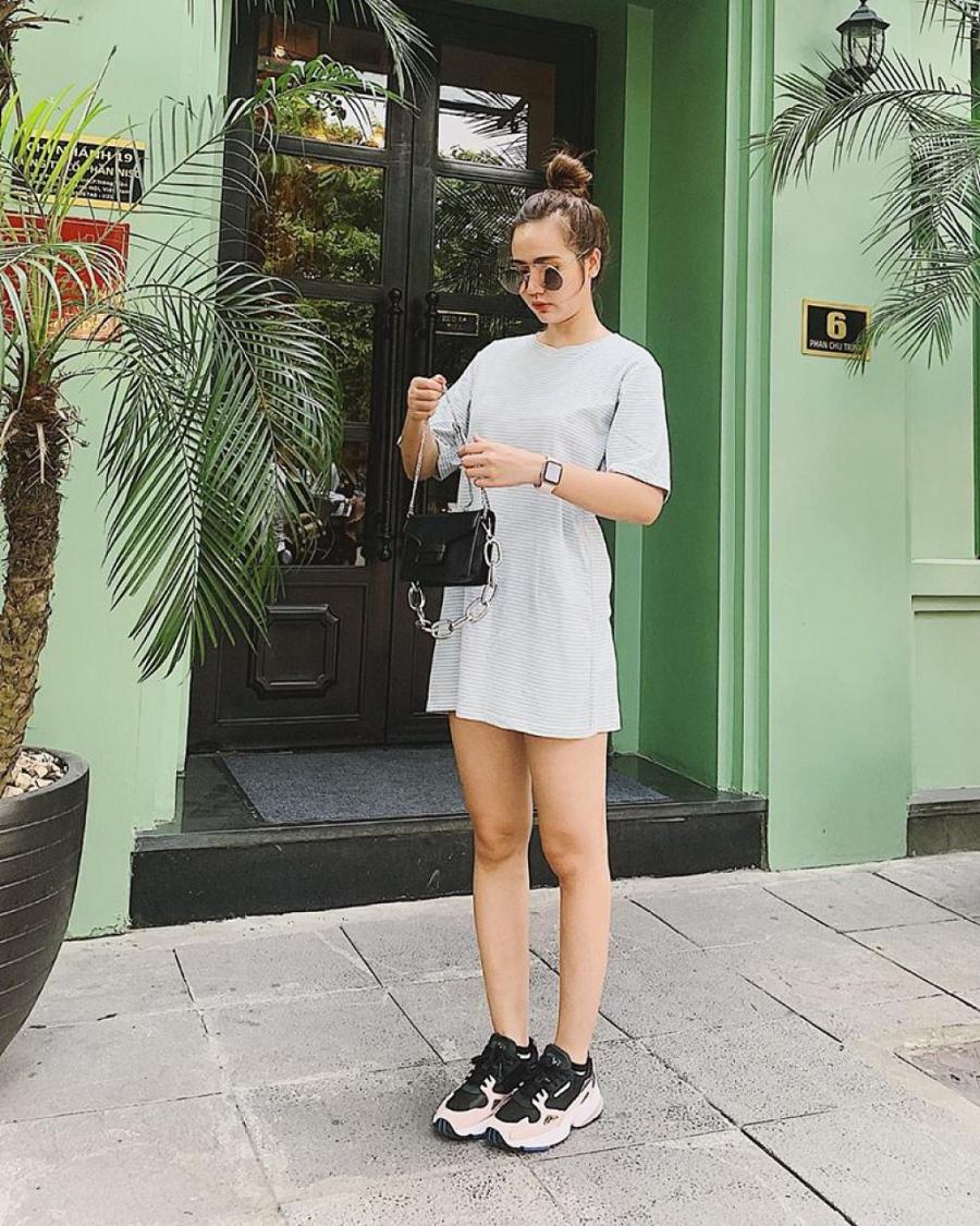 """Thống trị street style, sao Việt đua nhau diện crop top sương sương"""", váy đầm bánh bèo""""-16"""