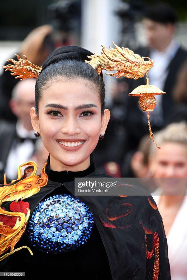 Sau Ngọc Trinh, đến lượt Trương Thị May xuất hiện trên thảm đỏ Cannes khiến truyền thông quốc tế náo loạn-1