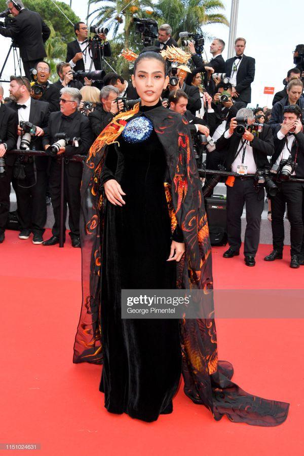 Sau Ngọc Trinh, đến lượt Trương Thị May xuất hiện trên thảm đỏ Cannes khiến truyền thông quốc tế náo loạn-2