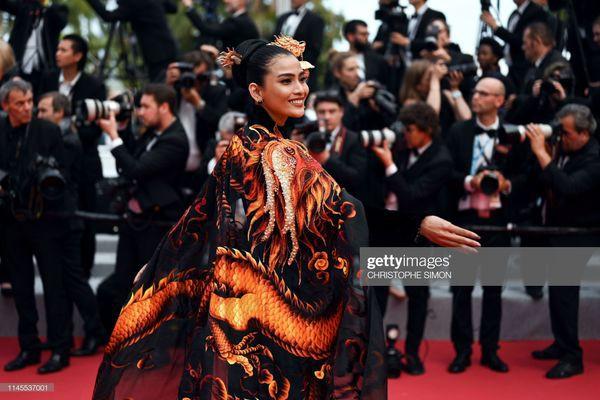 Sau Ngọc Trinh, đến lượt Trương Thị May xuất hiện trên thảm đỏ Cannes khiến truyền thông quốc tế náo loạn-5