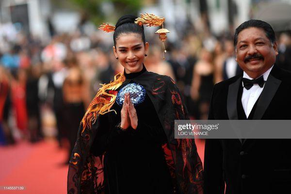 Sau Ngọc Trinh, đến lượt Trương Thị May xuất hiện trên thảm đỏ Cannes khiến truyền thông quốc tế náo loạn-6