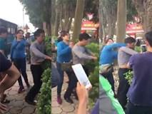 Bị bóp ngực trên xe buýt, người phụ nữ đánh tả tơi kẻ biến thái ở Hà Nội