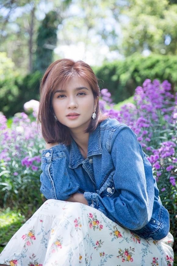 Diễn viên Kim Tuyến đẹp mơ màng giữa sắc hoa Đà Lạt-4