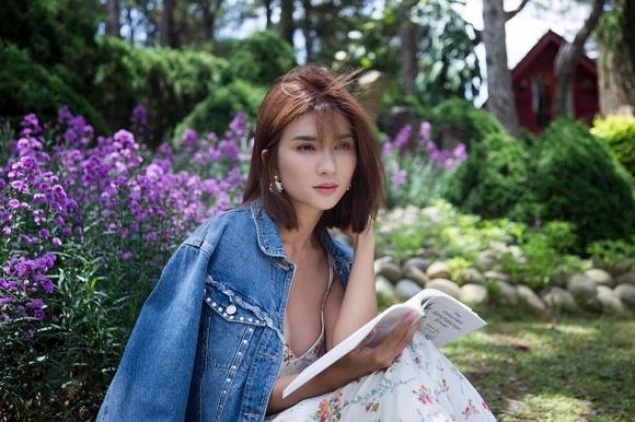 Diễn viên Kim Tuyến đẹp mơ màng giữa sắc hoa Đà Lạt-7