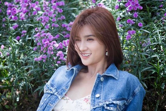 Diễn viên Kim Tuyến đẹp mơ màng giữa sắc hoa Đà Lạt-9
