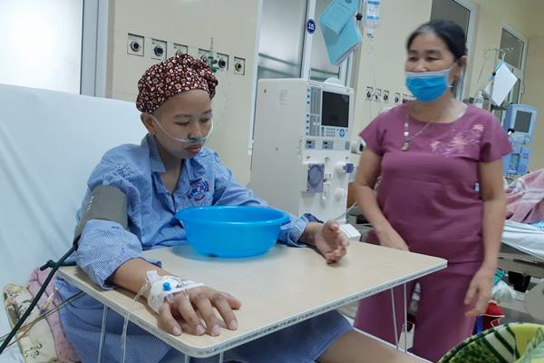 Hành trình ngủ ngồi, ôm chậu chờ sinh của bà mẹ trẻ mắc ung thư giai đoạn cuối-3