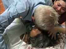Không cầm được nước mắt với thời khắc sinh tử chia xa, chồng già nắm chặt tay vợ, hẹn gặp nhau kiếp sau