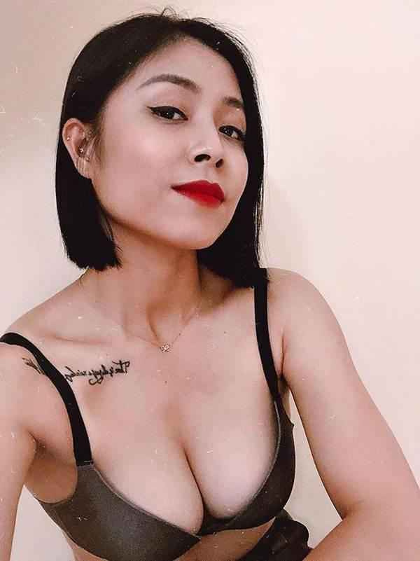 BTV Hoàng Linh lại tung ảnh bikini đốt mắt người nhìn-1