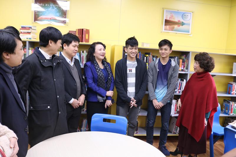 Tiếng rao của bà đưa nam sinh Hà Tĩnh tới Washington với học bổng 260.000 USD-4