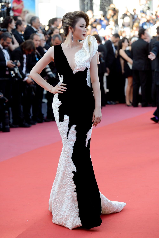 """Lý Nhã Kỳ khẳng định: Lựa chọn trang phục ở Cannes là cách nhận biết ngôi sao và khán giả vô danh""""-8"""