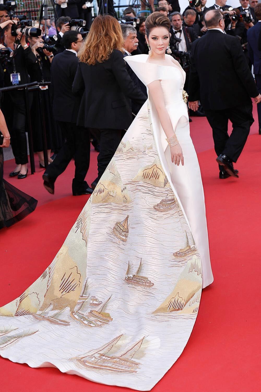 """Lý Nhã Kỳ khẳng định: Lựa chọn trang phục ở Cannes là cách nhận biết ngôi sao và khán giả vô danh""""-6"""