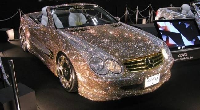 Xe hơi cõng kim cương giá hàng trăm tỷ, dân chơi không dám rời nửa bước-1