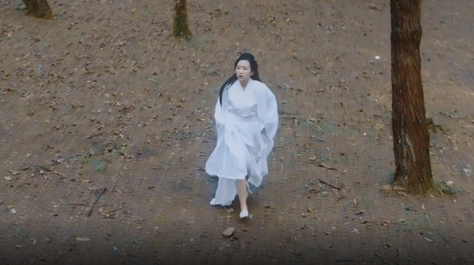 Chuyện đời Công Lý gói gọn trong 1 clip khiến dân mạng ngã ngửa: Người yêu bị giết, buồn tình lên núi ở, nhận em gái làm... con-2