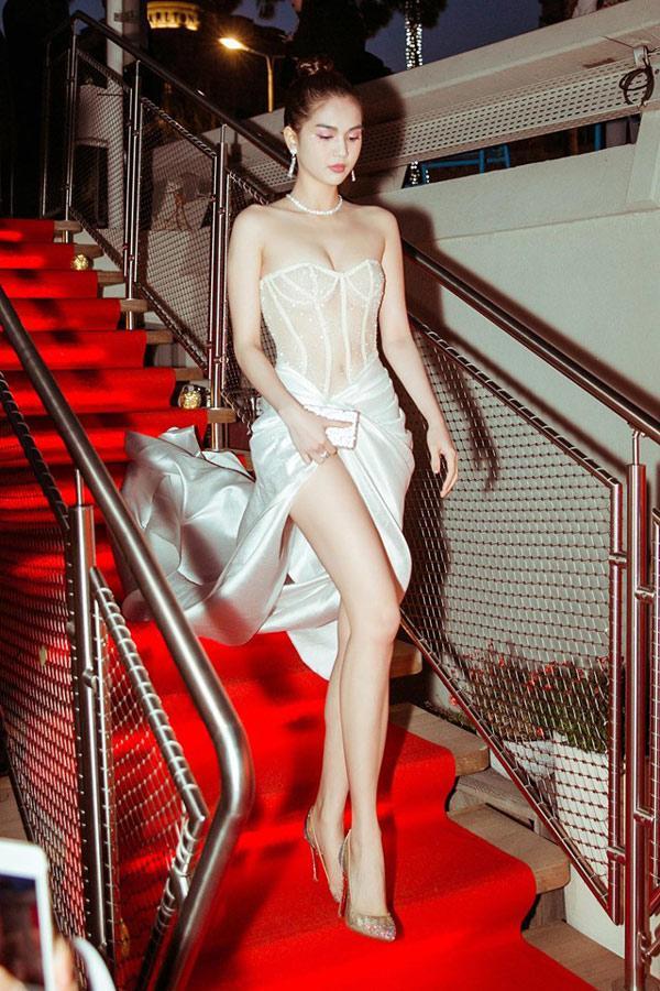 Mặc kệ bị ném đá, Ngọc Trinh vung tiền mua cùng lúc 20 chiếc túi xách tại Cannes-6