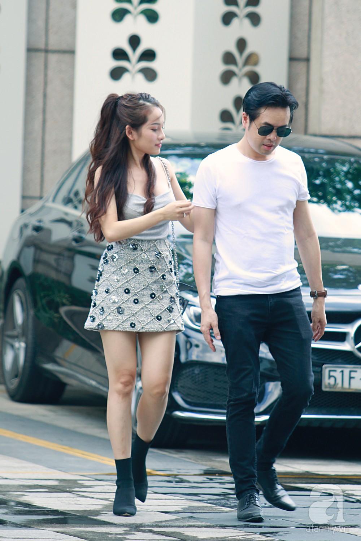 Dương Khắc Linh cùng vợ sắp cưới khoác vai, công khai ôm hôn tình tứ trước ngày lên xe hoa-3
