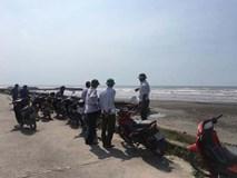 Tá hỏa phát hiện thi thể người đàn ông mất đầu ở bờ biển Nam Định