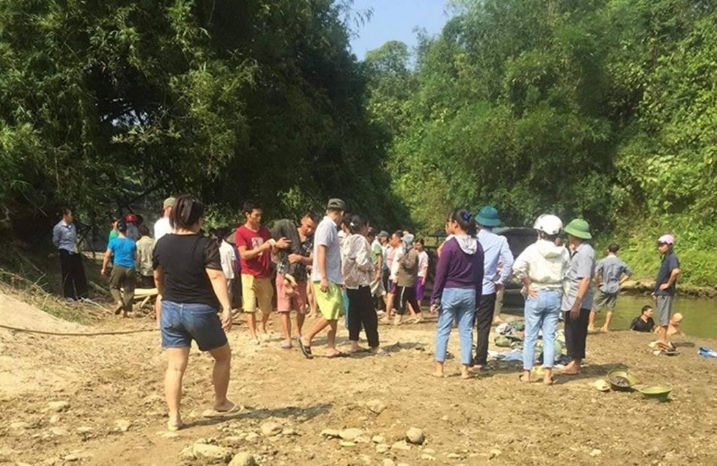Lào Cai: Thấy bạn bị đuối nước, nhóm học sinh bơi ra cứu thì 4 em tử vong thương tâm-2
