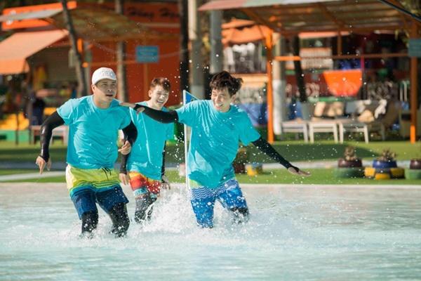 Running Man: Không thể tưởng tượng được cảnh Trấn Thành bơi đến... tụt quần, tỉnh bơ mặc lại nhưng lại là quần trái!-2
